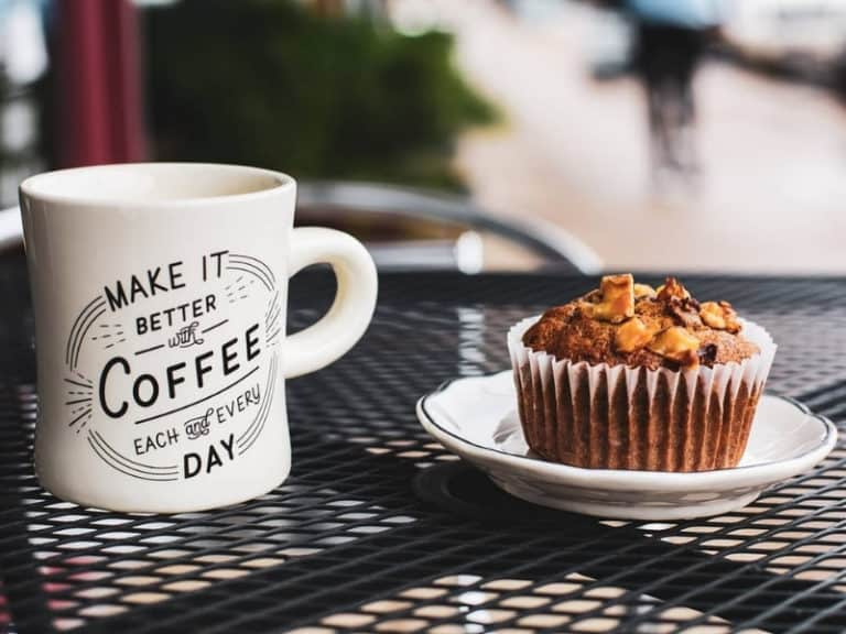 daily grind coffee and banana nut muffin (1)